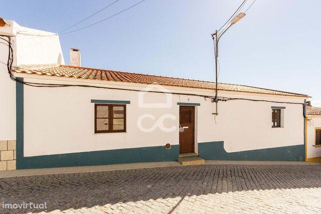 Moradia unifamiliar térrea T3 com amplo quintal | Portel