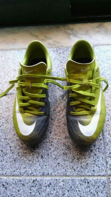 Chuteiras Nike 33
