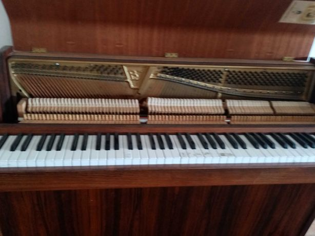 Piano clássico Brodr Jorgensen