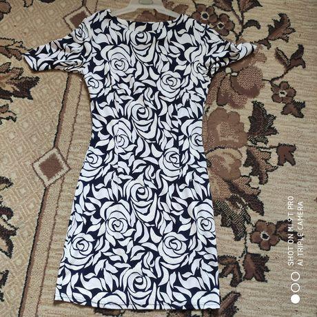 Подарую плаття  літнє