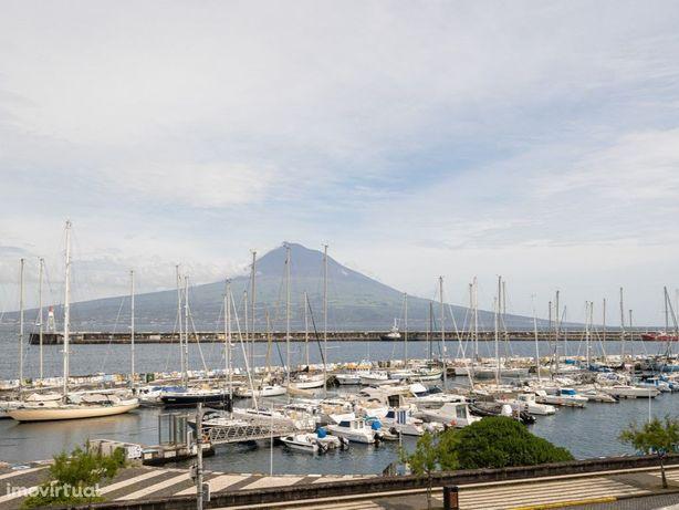 Residencial   Faial   Açores   R. Conselheiro Medeiros