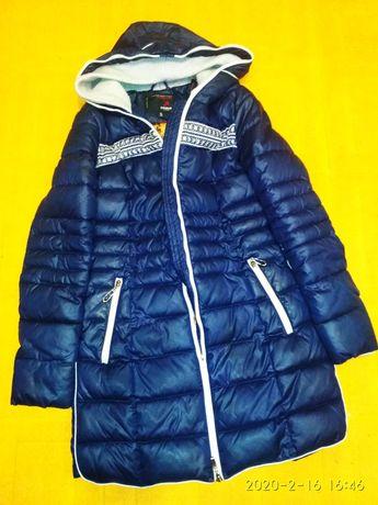 Продам зимнюю теплую  женскую куртку зимнюю 44р