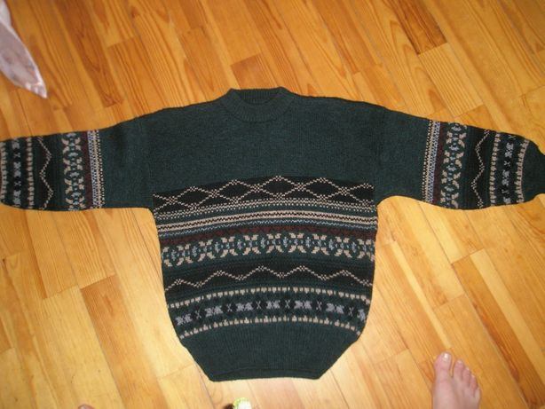 свитер .новый, на школьника, полушерстяной, теплый