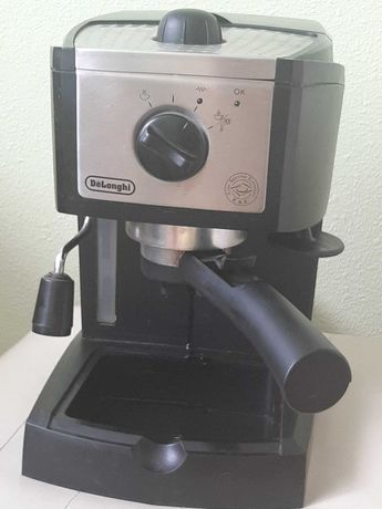 Фирменная рожковая кофеварка «DeLonghi»