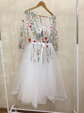 Платье гепюровое нарядное на выпускной коктельное оригинал TS CONTURE