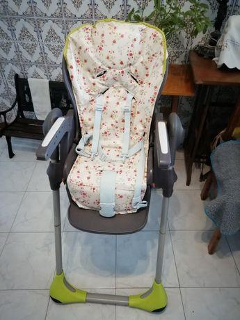 Cadeira Alta da Chicco Como Nova Barata