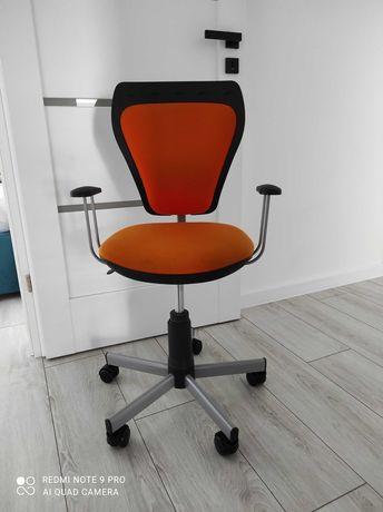 Krzesło biurowe dla dziecka pomarańczowe
