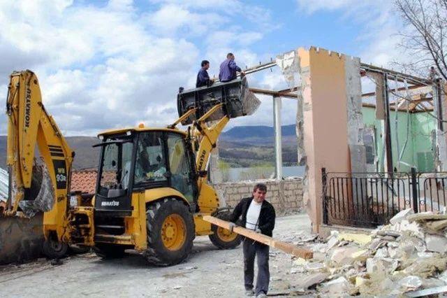 Демонтаж-ные работы Строительные работы Бетонные работы