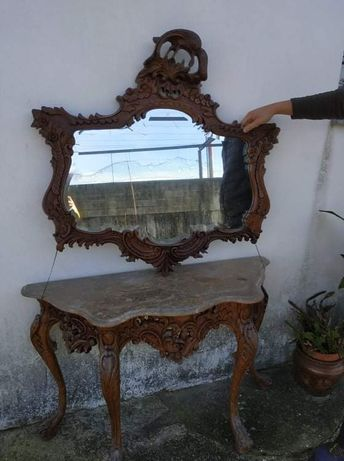 Aparador com  espelho antigo