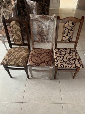 Стільці, стулья, крісло.