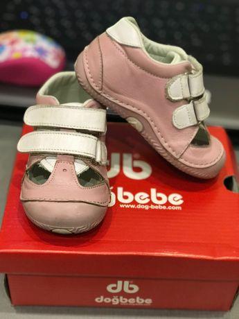 Туфельки на первые шаги для девочки (разм. 20)