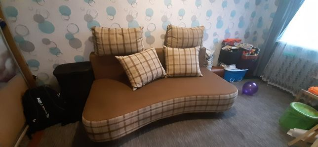 Продаю диван 200 на 160