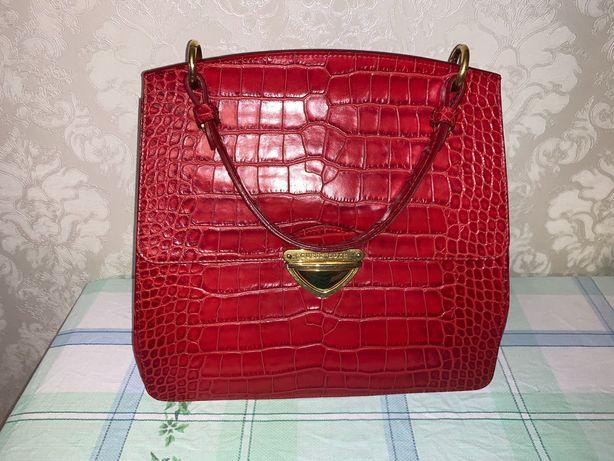 Женская кожаная сумка Guess