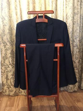 Продам мужской класический костюм