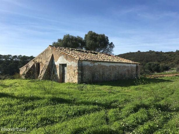 Terreno com ruína na Costa Vicentina