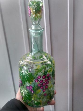 Бутылка с Петриковской розписью.