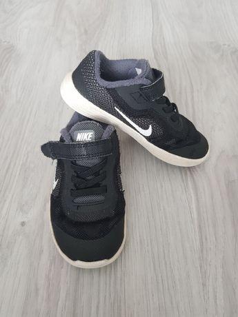 Sneakersy NIKE czarne rozm. 26 wkładka 15cm