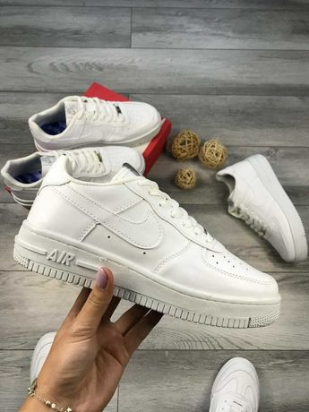 Кроссовки Nike Air Force 1 lux