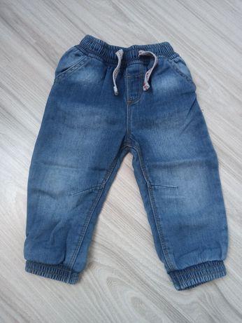 Jeansy dla chłopczyka 86