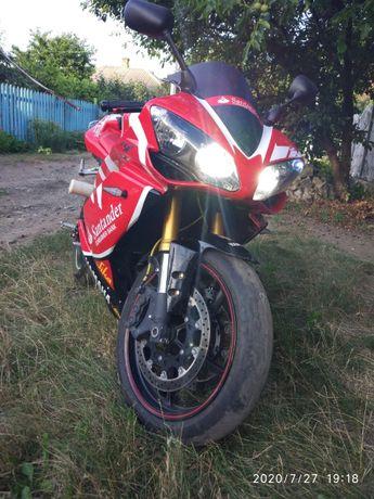 Мотоцикл Yamaha R1 2007