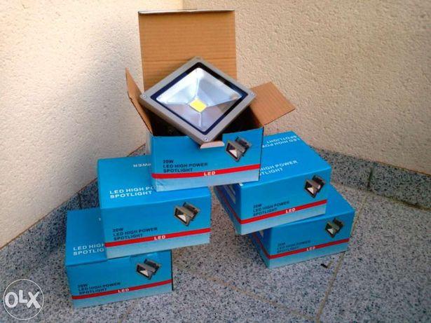 Holofotes de 20w LED (representa 200w halogéneo)