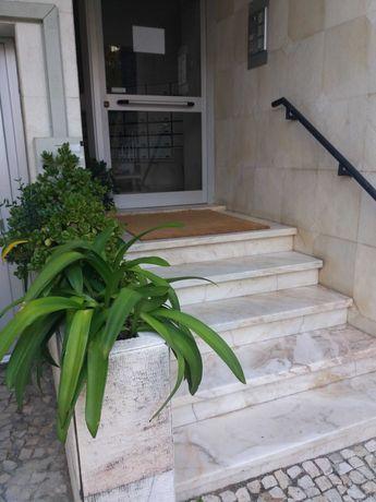 Ótimo apartamento no coração do Monte Estoril