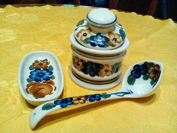 Zestaw ceramiki ozdobnej
