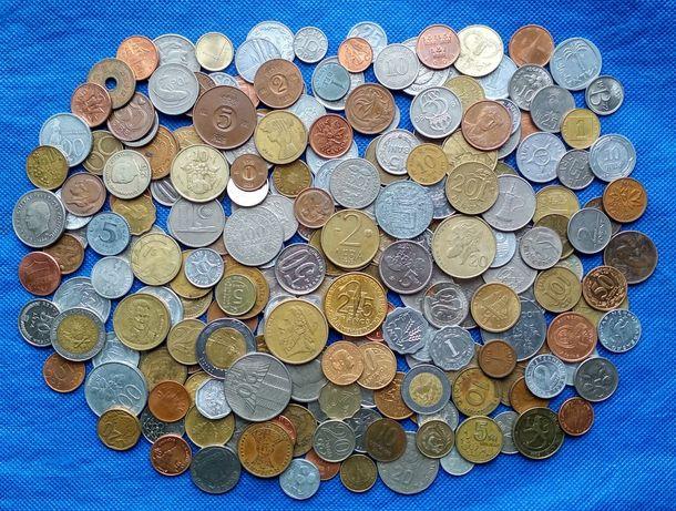 Монеты мира 230 штук (без повторов)