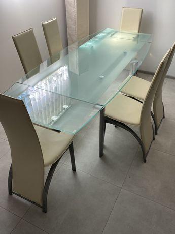Stół szklany krzesła 6 sztuk obrus jadalnia
