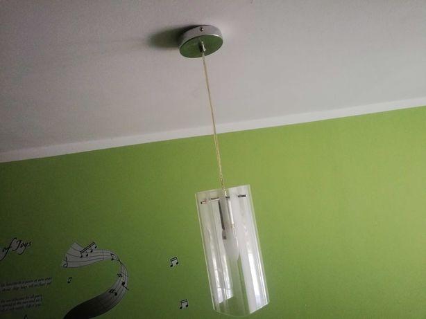 Lampa sufitowa w paski