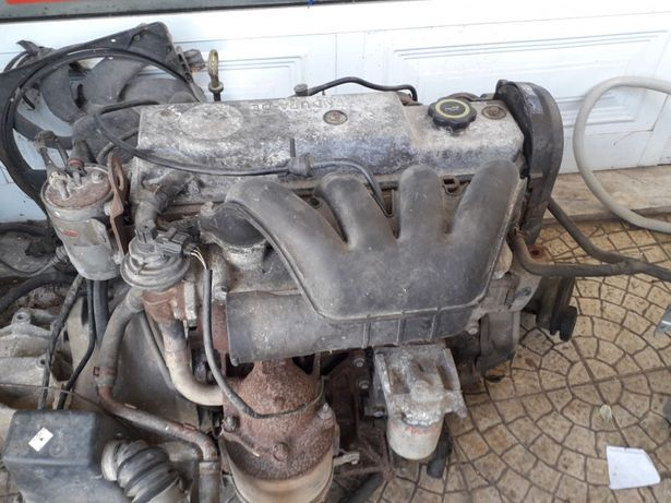 Vendo motor completo da ford couried 1900