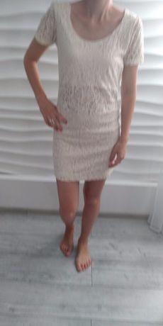 Sukienka ecru koronka 40