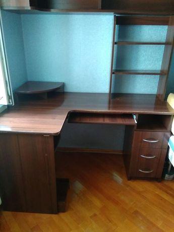 Письмовий стіл, стіл для комп'ютера