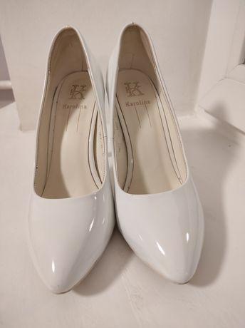 Туфлі жіночі. Весільні туфлі