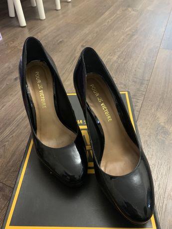 Продам туфли Pour la Victoire