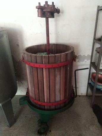 Prensa para espremer uvas