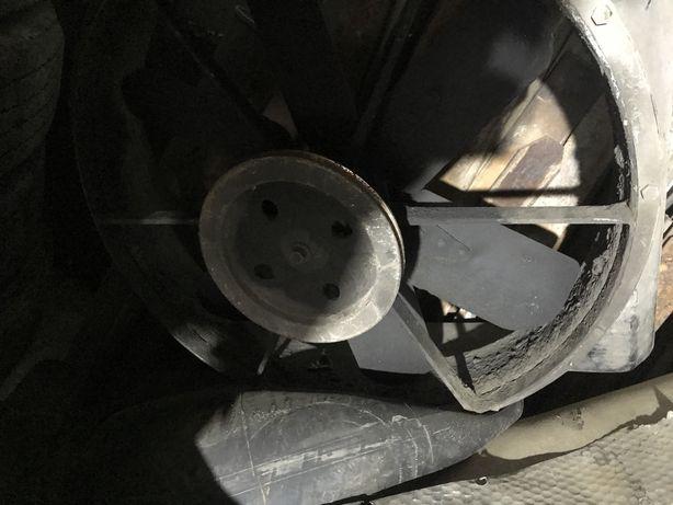 Паз вентелятор радіатора з кожухом