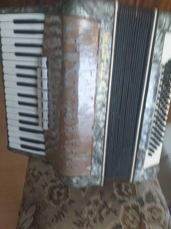 akordeon Wiktoria 80 basów