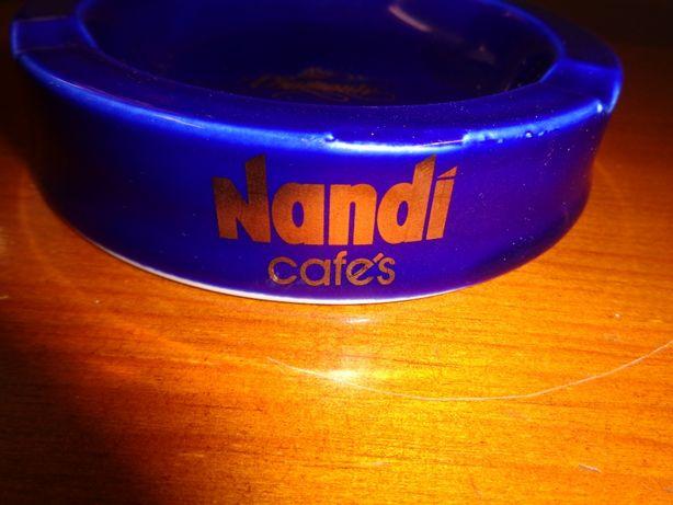 Cinzeiro Nandi Cafés em Porcelana Lote Diamante