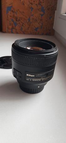 Об'єктив Nikkor 85 mm 1.8 g