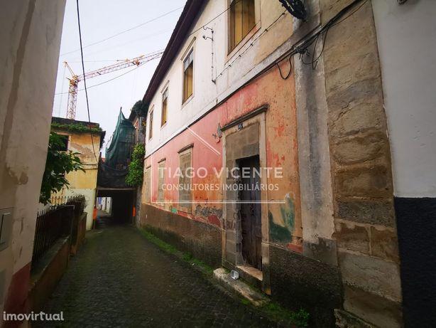 Prédio para reconstrução / Vista Castelo / Centro Histórico de Leiria