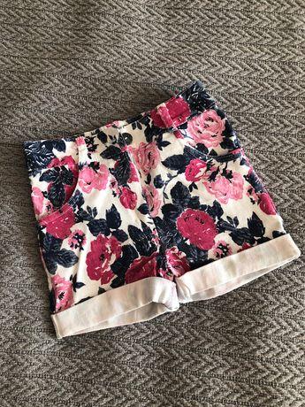Szorty spodenki w kwiaty róże elastyczne dopasowane 116