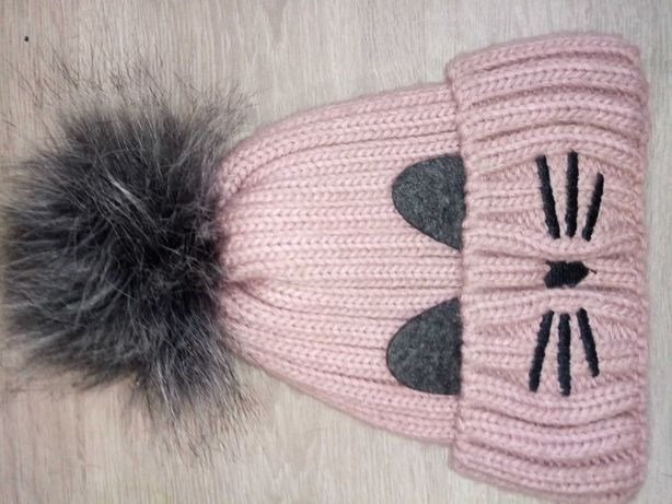Продам зимнюю шапку с нутом ,шарф идеальное состояние размер 48-50
