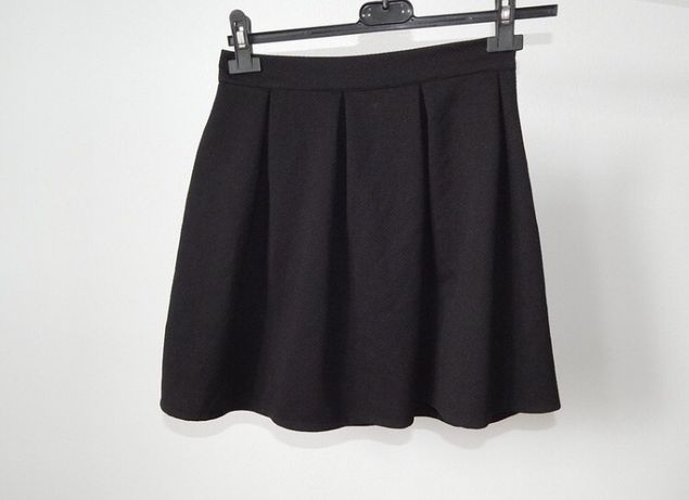 Czarna spodnica s