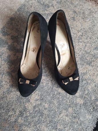 Туфлі.     жіночі.