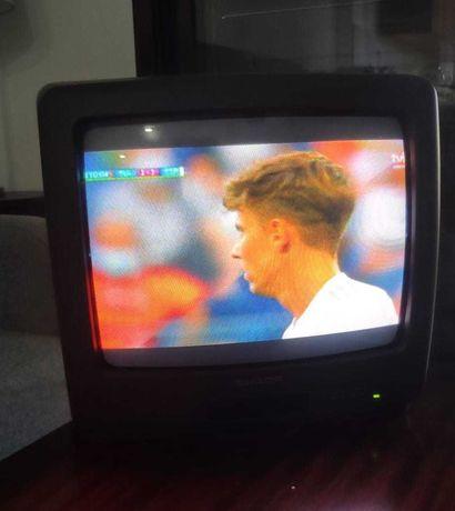Televisão Sharp com comando