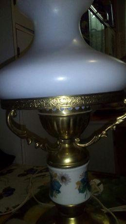 Продам настольную лампу!