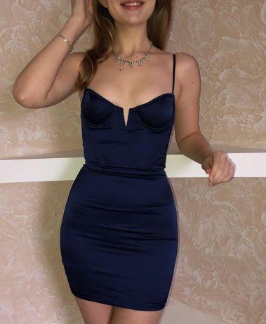 Міні плаття з чашечками