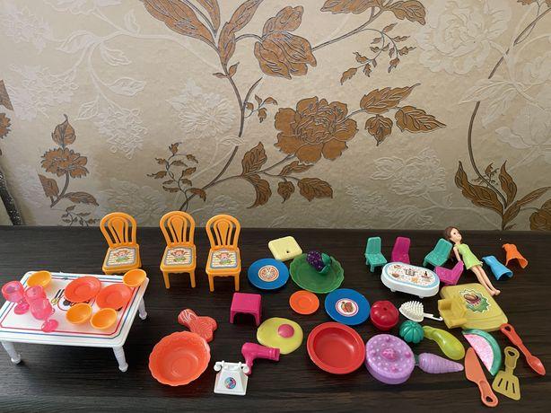 Пакет лот игрушек( мебель, животные, посуда, овощи, киндеры)