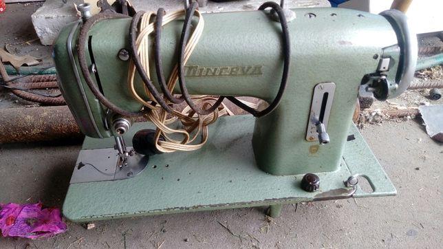 Maszyna do szycia minerva 124